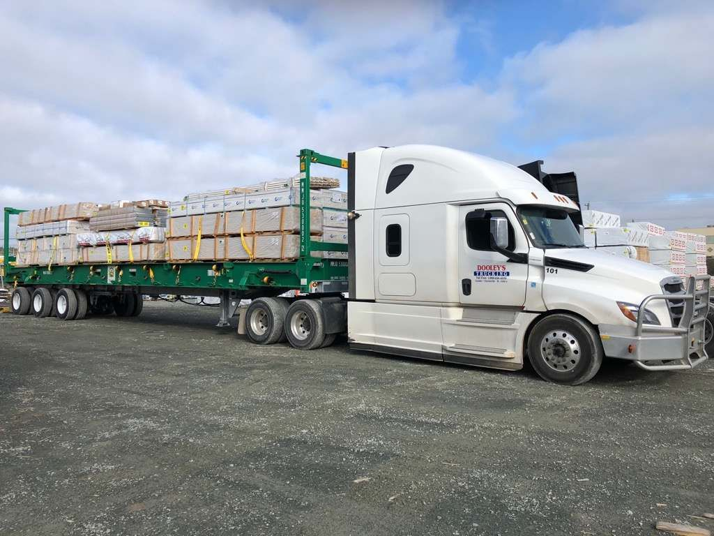 Trailer transporting goods